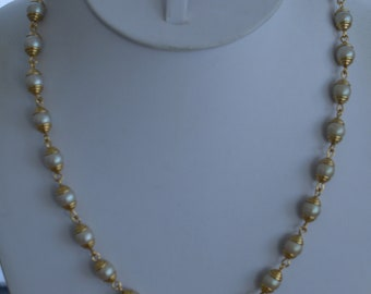 "Off White Pearl Necklace, Gold tone, Adjustable, 18""-20-1/2"", Vintage (TB253)"