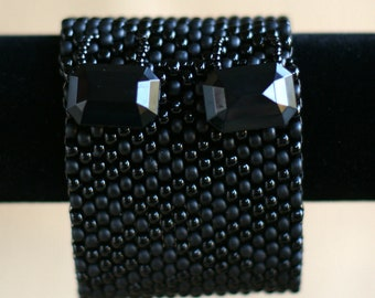 Wide Chunky Black Houndstooth Peyote Cuff
