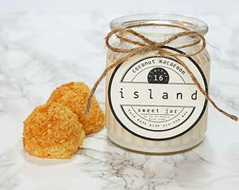 coconut macaroon scented soy candle