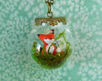 Fox Terrarium Necklace, Miniature Red Fox in a Fancy Glass Globe Pendant, Miniature Animal Jewelry