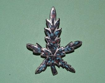 Vintage Inlaid Turquoise & Coral chip Marjuana Leaf  pendant  (1060215)
