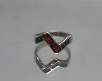 925 - Vintage Southwest Native American Turquoise and Coral Inlay Ring in Sterling Silver - Size 8
