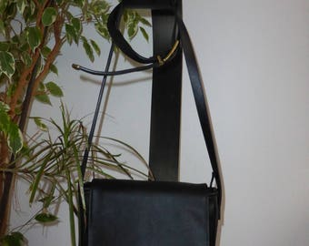 Shoulder bag with flap