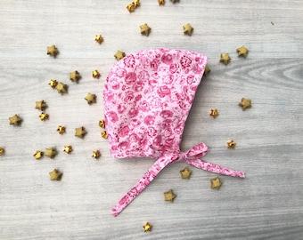 Baby bonnet// pink bonnet// floral bonnet// cotton bonnet// baby girl bonnet// handmade bonnet// spring bonnet// baby hat// baby clothes
