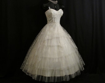 Vintage 50's 50s STRAPLESS Bombshell Ivory Tulle Embroidered Lace Party Prom Wedding DRESS Gown