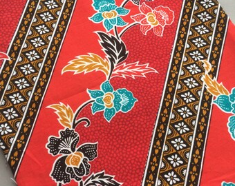 Fat quarter of batik style cotton fabric from Thailand, beautiful bordered floral print for quilting patchwork or projects