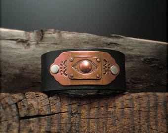 "B1539 SALE ""All Seeing Eye"" Badge Leather Cuff"