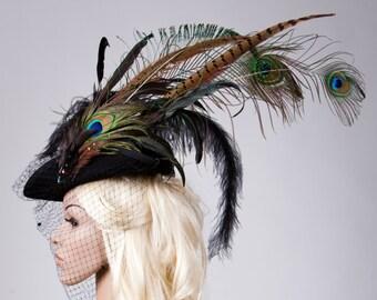 Fascinator - Tricorn with feathers // Damenhut mit Schleier // Wedding // Gothic // Dreispitz