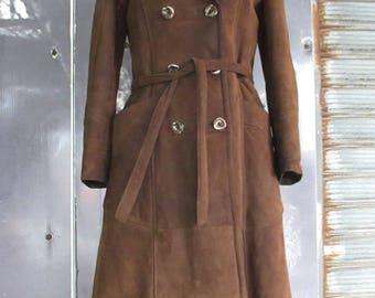 Fantastico muflone anni 70.Fondo magazzino. Tg 44/Amazing 70s doublebreasted brown mouflon/Genuine sheepskin/Belt/Deadstock/Size 8-10 US