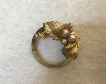 Sarah Coventry Brooch/Pin - Circular Leaves Faux Pearls 1960's