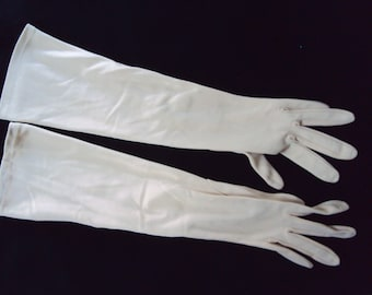 Ladies Tan Vintage elbow length gloves, size XS, c. 1950's