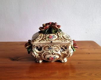 Antique box Italian majolica Capodimonte optical illusion - style slip