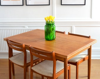 Vintage Midcentury Danish extending teak table and 4 chairs. Delivery. Modern / retro.