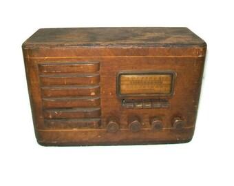 Antique Silvertone Radionet Collectible Tube Radio Model 6421