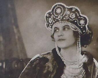 "Zinaida Jurjevskaja, opera singer, postcard, vintage.  Russian soprano in ""Madchen von Pskow"", 1892?-1925, unused, sepia. c late 1910's-20's"