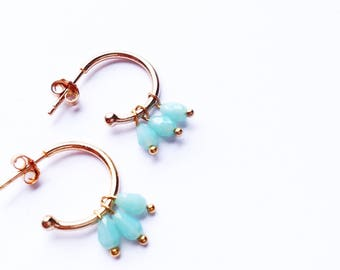 Small open hoops with blue glass 3perles