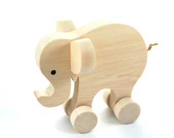 wooden elephant to play, wooden toy, ecofriendly, vintage toy