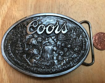 Bergamot belt buckle P-170 Coors beer.With bottle opener .Very good condition. Size ~85x60 mm.