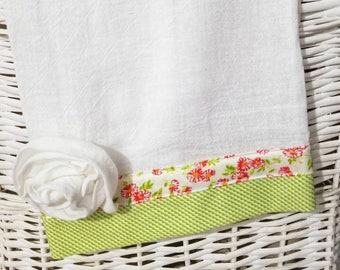 Farmhouse Flour Sack Towel, Dish Towel, Kitchen Towel, Tea Towel, Vintage Style Farm Decor, Kitchen Gift