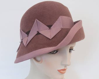 Mauve Cloche. Dusty Pink Velour Felt Hat. Women's Hat. Dusty Rose Flapper Hat. 1920s Style Fur Felt Cloche. Asymmetrical Millinery Pink Hat.