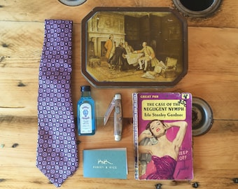 Vintage Gift for Men, Groomsmen, Grooms, Fathers day, Birthdays and Anniversaries