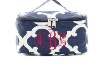 Monogrammed Cosmetic bag, Personalized make up case, Make up Bag, Monogram Make up case, Luggage Case, Make up Case with handle, bridesmaid