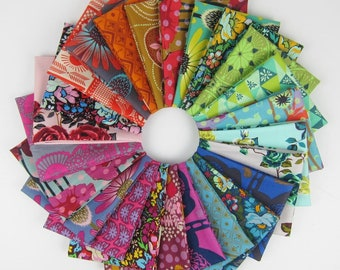 Anna Maria Horner Rainbow Fat Quarter Bundle - FreeSpirit - 24 Fat Quarters- 6 Yards Total