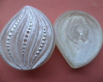 28 mm x 23 mm (5905) buttons glass button white 4 large GLASS KNOBS