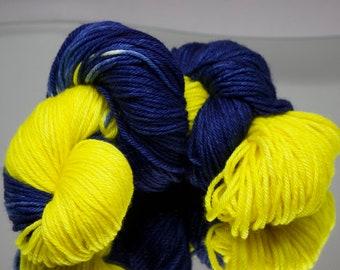 Hand dyed worsted yarn - Go Blue! - 100% Superwash Merino wool yarn - 4 ply