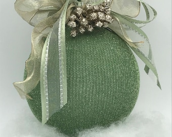 Interior decoration. Weddings and events in classic style, elegant hand-decorated sphere, circumference 38 cm.