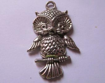 silver owl pendant 45mmx28mm