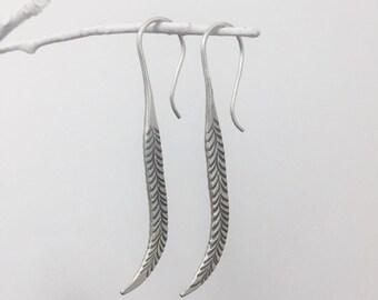 silver earring、925 silver、handmade earrings、long leaves earring、sterling silver hoop earrings、dangle earrings