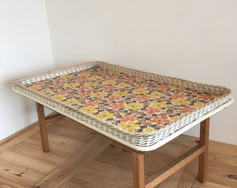 """Vintage Retro Tray Lap Table Breakfast In Bed Camping Floral Design   Size  L61cm W38cm H29cm  L24"""" W15"""" H11.5"""""""