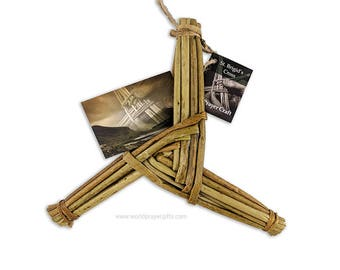 "Saint Brigid's Cross Three-Arm Design | St Brigid's Cross | 8.5"" x 8.5"" | Handmade in Ireland | All Handcrafted, All Natural | FREE Gift Tag"