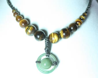 pendant necklace green jade and Tiger eye beads