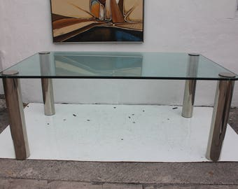 Pace Dining Table With Chrome Legs And Glass Top.