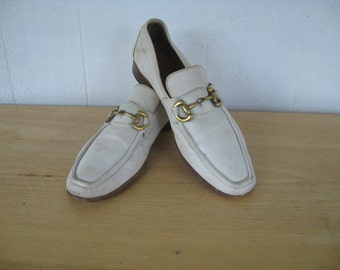 1970s - Vintage - Chomping the Bit - Shoes / 70s Gucci Esque Cream Leather Loafers - Metal Bit  Accents -Saks Fifth Avenue Size 11C