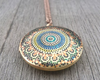 Locket,brass locket,locket necklace,unique handmade locket,gold locket,jewelry,germany,gift for her,vintage necklace,gift,abstract,patterns,