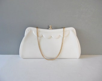 Vintage Clutch Vintage purse Vintage white Clutch Vintage White purse Snap closure Vintage scalloped clutch Vintage bag Vintage handbag