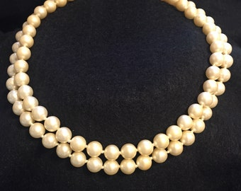 Vintage faux pearl necklace choker length