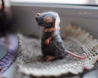 Wool felt mice Felted Mouse Felt Toy Miniature Needle felted mouse Realistic mice of felt Animal felted rat Posable Dollhouse miniature doll