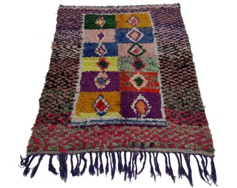 Vintage Moroccan rug woven using different scraps of used textiles / boucherouite / boucherouette