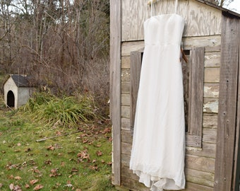 White Sheath Wedding Gown to Embellish or Up-cycle Size 16 Long Dress