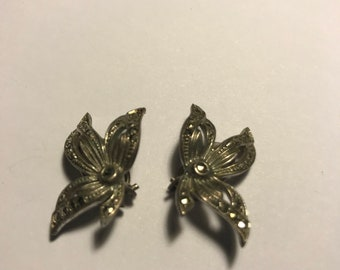 Marquisette leaf clip on earrings