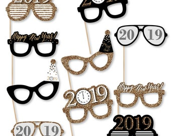 New Year's Eve Photo Booth Props - 2019 New Year's Eve Glasses - Photo Booth Prop Accessories - Fun Selfie Card Stck Paper Props - 10 Pc Set