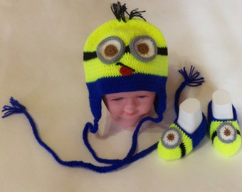 Crochet minion Hat for baby, yellow blue boy girl earflap hat for spring Crochet Earflap Photo PropBabyHand