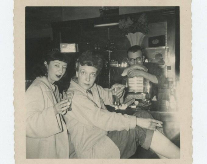 Vintage Snapshot Photo: Barflies, 1950s (712627)