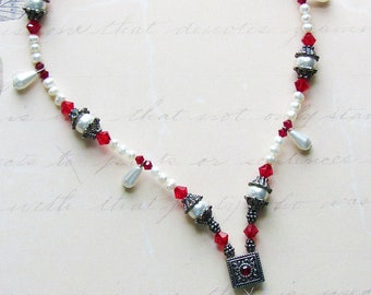 Renaissance Necklace Red Crystal and Pearl
