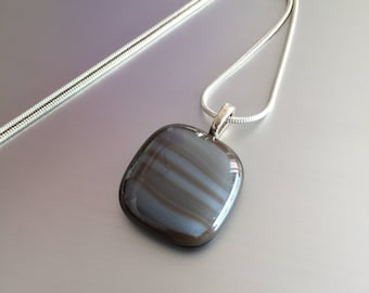 Glass pendant-Necklace-Jewelry-gift woman-Gift woman-pendant-jewelry-chain-Dutch design-Spectrum Art glass Reserve-grey-brown-handmade