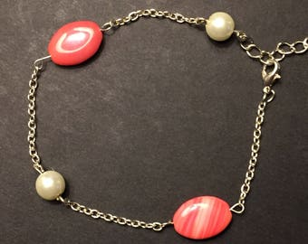 Delicate chain bracelet with red czech glass beads and faux pearls